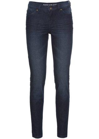 Model ~ Abbigliamento_0c2405
